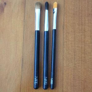 3 Nars Brushes
